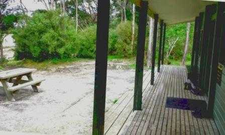 Bark Bay Hut Abel Tasman Coastal Track